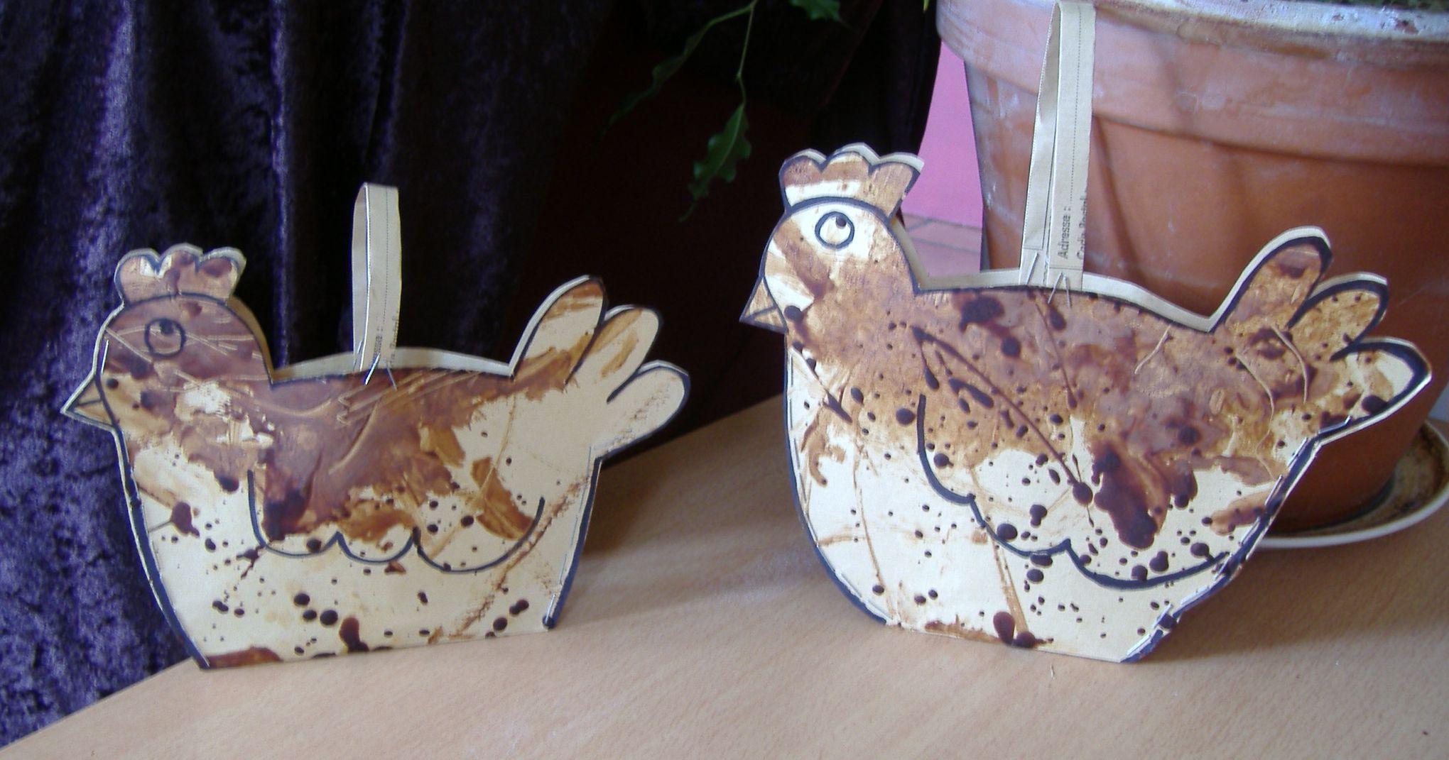Poule en chocolat etape 2 dessin d coupage reliure - Comment faire une poule en papier ...